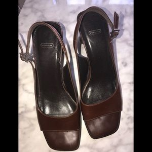 VINTAGE COACH BROWN SANDALS SIze 7B